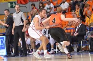 Foto: baloncestofuenlabrada.com / Lydia Calvo y Fran Martínez Llompart y Díaz marcaron las bases del partido
