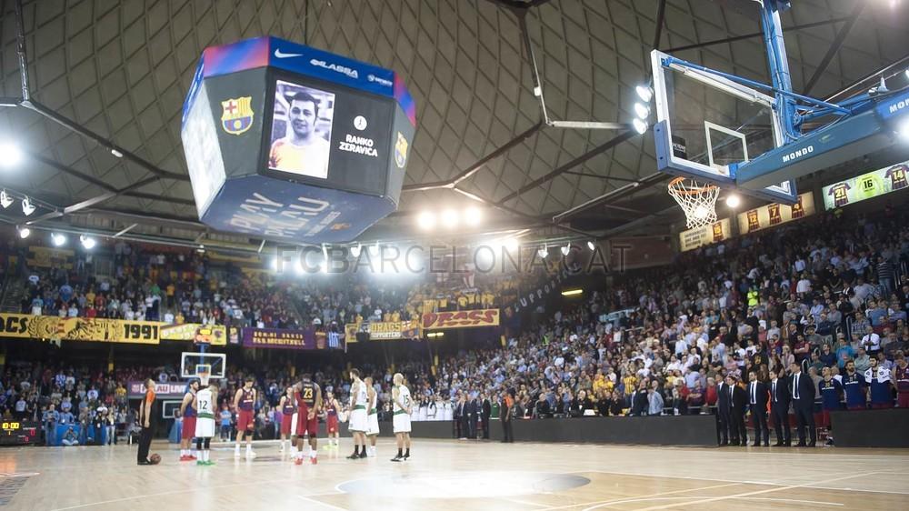 Fuente: fc barcelona. El palau en silencio rindiendo homenaje a un grande del baloncesto, Ranko Zeravica